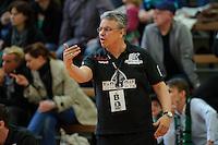 Trainer Dirk Leun (BSV) gibt Anweisungen