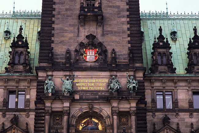GERMANY, HAMBURG, RATHAUS, CITY HALL, DETAIL OF ARCHITECTURE