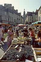 Europe/France/Aquitaine/24/Dordogne/Vallée de la Dordogne/Périgord/Périgord Noir/Sarlat-la-Canéda: Jour de marché