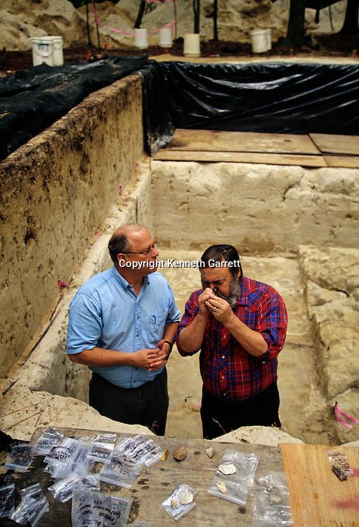 Peopling the Americas; Al Goodyear, Dennis Stanford(r), Topper site, South Carolina