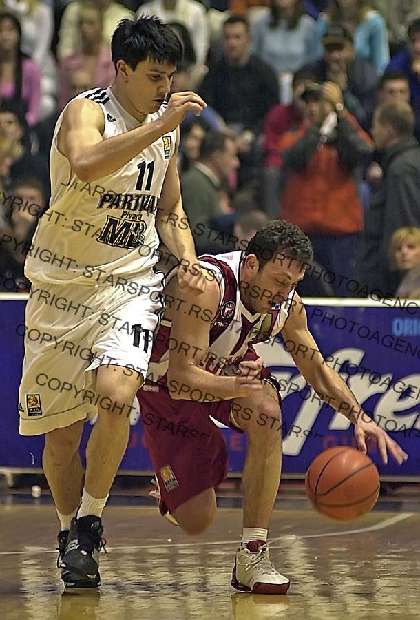 SPORT KOSARKA CRVENA ZVEZDA PARTIZAN DERBI 5.3.2005.  Goran Jeretin i Markovic foto: Pedja Milosavljevic<br />