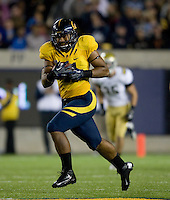 Richard Rodgers of California runs the ball after catching a pass during the game against UCLA at Memorial Stadium in Berkeley, California on October 6th, 2012.  California defeated UCLA, 43-17.