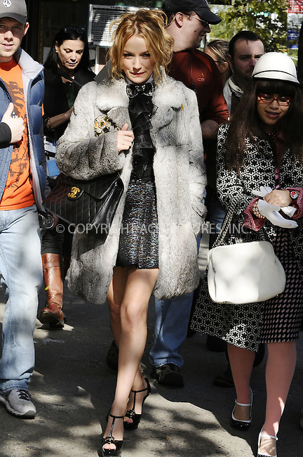 WWW.ACEPIXS.COM . . . . .  ....October 27 2008, New York City....Actors America Ferrera (R) and Becki Newton were on the set of the TV show 'Ugly Betty' on the Lower East Side of Manhttan on October 27 2008 in New York City....Please byline: AJ Sokalner - ACEPIXS.COM..... *** ***..Ace Pictures, Inc:  ..te: (646) 769 0430..e-mail: info@acepixs.com..web: http://www.acepixs.com