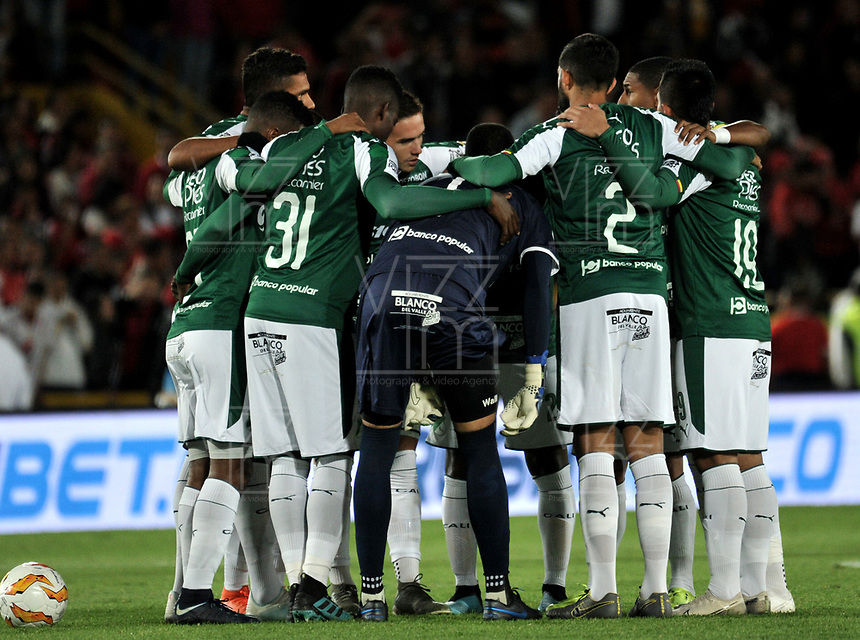 BOGOTÁ-COLOMBIA, 16-01-2020: Jugadores de Deportivo Cali, antes de partido entre América de Cali y Deportivo Cali, por el Torneo ESPN 2020, jugado en el estadio Nemesio Camacho El Campin de la ciudad de Bogotá. / Players of Deportivo Cali, prior a match between America de Cali and Deportivo Cali, for the ESPN Tournament 2020, played at the Nemesio Camacho El Campin stadium in the city of Bogota. Photo: VizzorImage / Luis Ramírez / Staff.