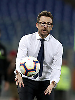 Calcio, Serie A: Roma - Atalanta, Stadio Olimpico, 27 agosto, 2018.<br /> Roma's coach Eusebio Di Francesco takes a ball during the Italian Serie A football match between Roma and Atalanta at Roma's Stadio Olimpico, August 27, 2018.<br /> UPDATE IMAGES PRESS/Isabella Bonotto