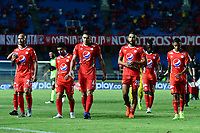 CALI - COLOMBIA, 25-08-2019: Jugadores del América abandonan el campo de juego al intermedio durante partido por la fecha 8 de la Liga Águila II 2019 entre América de Cali y Envigado F.C. jugado en el estadio Pascual Guerrero de la ciudad de Cali. / Players of America leave the field at halftime during match for the date 8 as part of Aguila League II 2019 between America de Cali and Envigado F.C. played at Pascual Guerrero stadium in Cali. Photo: VizzorImage / Nelson Rios / Cont