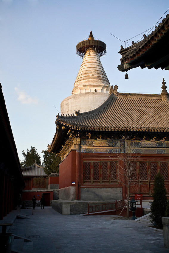 A view of the White Dagoba Temple (Baitasi) in Beijing. Founded in the thirteen century during the mongol dynasty (Yuan) by a nepalese architect, Anikro. It remains one of the oldest bouddhic temple in the chinese capital.