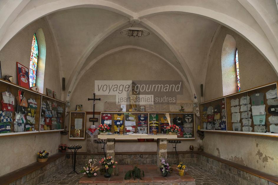 Europe/France/Aquitaine/40/Landes/Larrivière: Chapelle Notre Dame du Rugby  construite en 1861 ,elle doit son nouveau destin à l'abbé Devert qui en 1967 la voue au sport populaire du Sud-Ouest-Nombreux maillots de joueurs internationaux