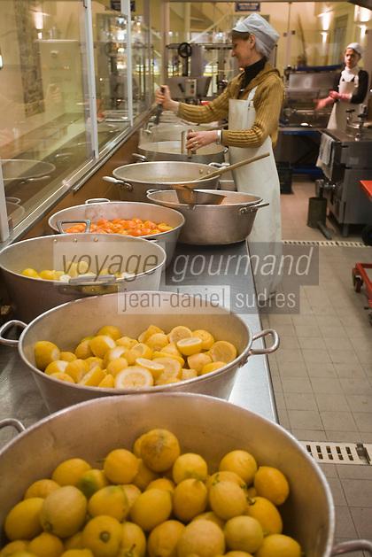 Europe/France/06/Alpes-Maritimes/Menton: Les confitures Herbin- Préparation de la Confiture de Citron.