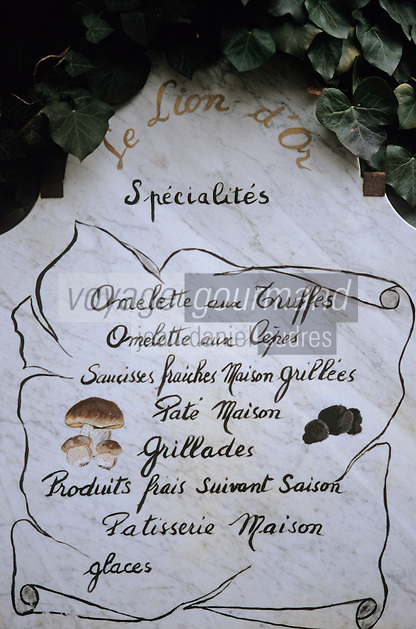 "Europe/France/Midi-Pyrénées/46/Lot/Causse de Limogne/Lalbenque : Le menu du restaurant ""Le Lion d'Or"""