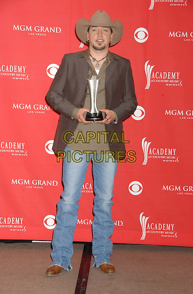 JASON ALDEAN.41st Annual Academy of Country Music Awards held at the MGM Grand Hotel and Casino, Las Vegas, Nevada, USA..May 23rd, 2006.Photo: Laura Farr/AdMedia/Capital Pictures.Ref: LF/ADM.full length award trophy hat stetson brown jacket.www.capitalpictures.com.sales@capitalpictures.com.© Capital Pictures.