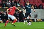 04.11.2018, Opel-Arena, Mainz, GER, 1 FBL, 1. FSV Mainz 05 vs SV Werder Bremen, <br /> <br /> DFL REGULATIONS PROHIBIT ANY USE OF PHOTOGRAPHS AS IMAGE SEQUENCES AND/OR QUASI-VIDEO.<br /> <br /> im Bild: Max Kruse (SV Werder Bremen #10) gegen Aaron Martin (#3, FSV Mainz)<br /> <br /> Foto © nordphoto / Fabisch