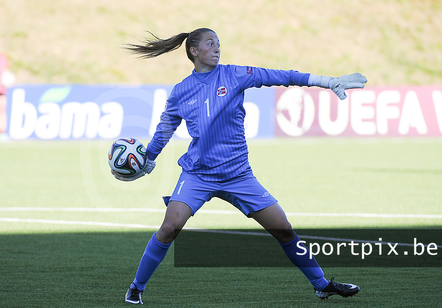 20140718 - Tonsberg , NORWAY : Norwegian Cecilie Fiskerstrand pictured during the female soccer match between Women under 19 teams of Norway and Belgium , on the second matchday in group A of the UEFA Women Under19 European Championship at Tonsberg Stadion , Norway . Friday 18th July 2014 . PHOTO DAVID CATRY