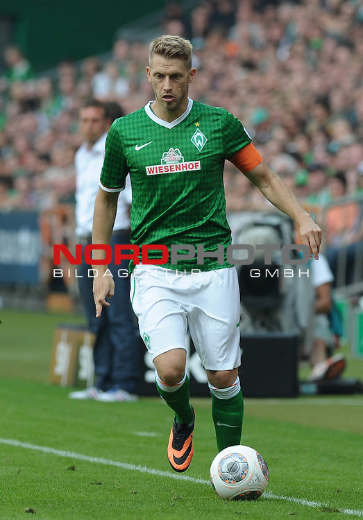 17.08.2013, Weserstadion, Bremen, GER, 1.FBL, Werder Bremen vs FC Augsburg, im Bild Aaron Hunt (Bremen #14)<br /> <br /> Foto &copy; nph / Frisch