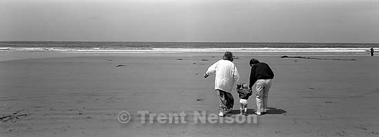 Laura Nelson, Noah Nelson, Phyllis Nelson at the beach<br />