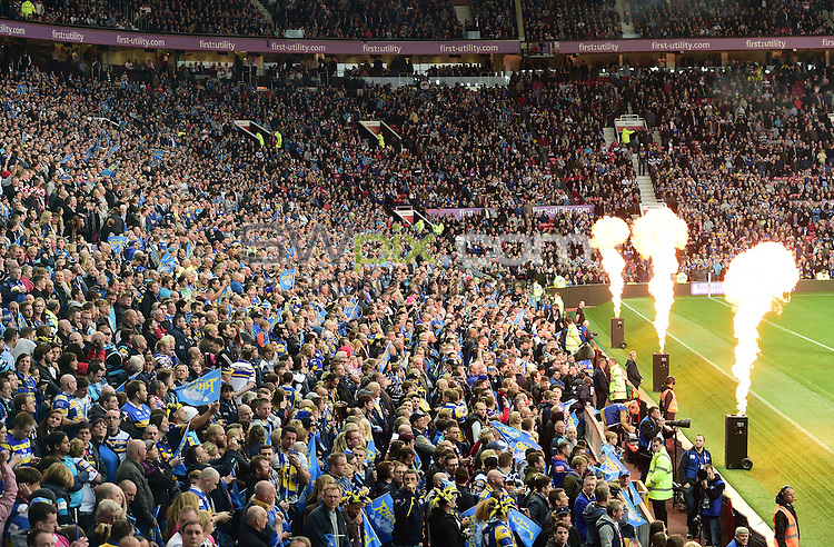 Picture by Alex Broadway/SWpix.com - 10/10/2015 - Rugby League - First Utility Super League Grand Final - Leeds Rhinos v Wigan Warriors - Old Trafford, Manchester, England - Fans, supporters.
