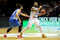 GRONINGEN - Basketbal, Donar - Landstede Martiniplaza, Dutch Basketbal League, seizoen 2018-2019, 06-12-2018, Donar speler Lance Jeter met Landstede speler Kaza Kajami-Keane