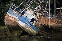 Europe/France/Bretagne/29/Finistère/ Douarnenez: le cimetière de bateaux sur la rivière de Port Rhu