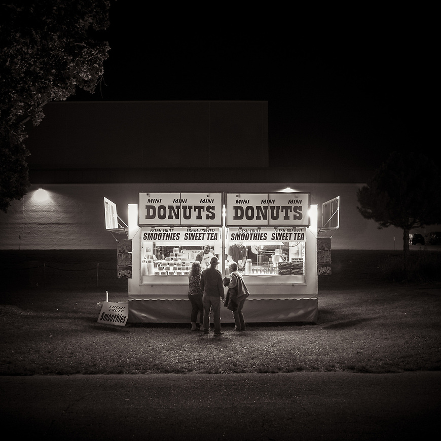 MINI DONUTS -- From the Good Neighbor Festival in Middleton, Wisconsin. #michaelknapstein #midwest #midwestmemoir #blackandwhite #B&W #monochrome #instblackandwhite #blackandwhiteart #flair_bw #blackandwhite_perfection #motherfstop #wisconsin #blackandwhiteisworththefight #bnw_captures #bwphotography #myfeatureshoot  #fineartphotography #americanmidwest #squaremag #lensculture #mifa #moscowfotoawards #moscowinternationalfotoawards #rps #royalphotographicsociety #CriticalMass #CriticalMassTop200 #photolucida #contemporaryphotography