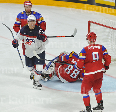 May 16-2017,Lanxess Arena , Cologne/GER<br /> IIHF World Hockey Championship 2017<br /> RUS vs USA  <br /> He scores! USA`s Anders LEE scores vs Russia's goaltender Andrei Vasilevski <br /> USA wins the game 3:5<br /> May 14-2017,Stadium Alte F&ouml;rsterei,Berlin,Germany<br /> 2.Bundesliga - 33. Spieltag: 1.FC Union Berlin - 1.FC Heidenheim