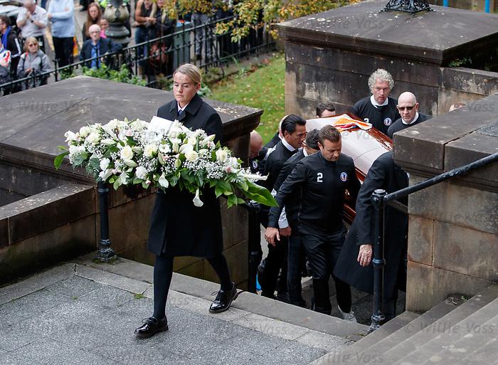25.09.2018 Funeral service for Fernando Ricksen: Pallbearers with Fernando's coffin