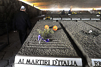 Roma, 23 Marzo 2009.Mausoleo delle Fosse Ardeatine.Le tombe dei 335 martiri uccisi dai nazisti il 24 Marzo 1944..Rome, 23 March 2009.Mausoleum of the Ardeatine.The graves of 335 martyrs killed by the Nazis March 24, 1944