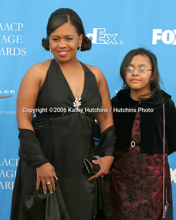 Chandra Wilson.37th NAACP Image Awards.Shrine Auditorium.Los Angeles, CA.February 25, 2006.©2006 Kathy Hutchins / Hutchins Photo....