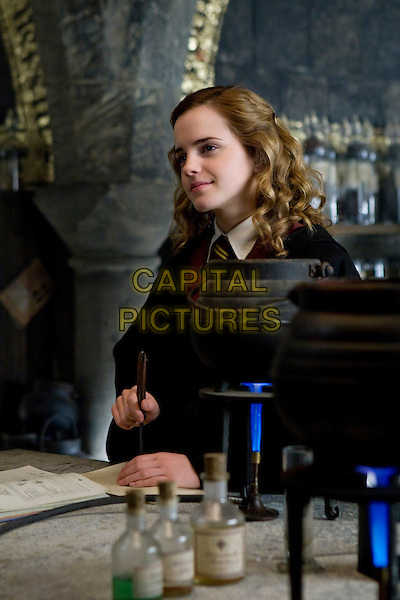 EMMA WATSON.in Harry Potter and the Half-Blood Prince.*Filmstill - Editorial Use Only*.CAP/FB.Supplied by Capital Pictures.