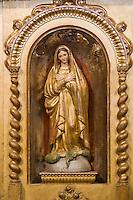 Europe/France/Rhone-Alpes/73/Savoie/Saint-Martin-de-Belleville: Chapelle Notre-Dame-de-la-Vie détail statue de l'autel baroque