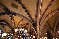 Europe/Voïvodie de Petite-Pologne/Cracovie: Plafond du restaurant: Szara - Polychromie par Joseph Mehosser
