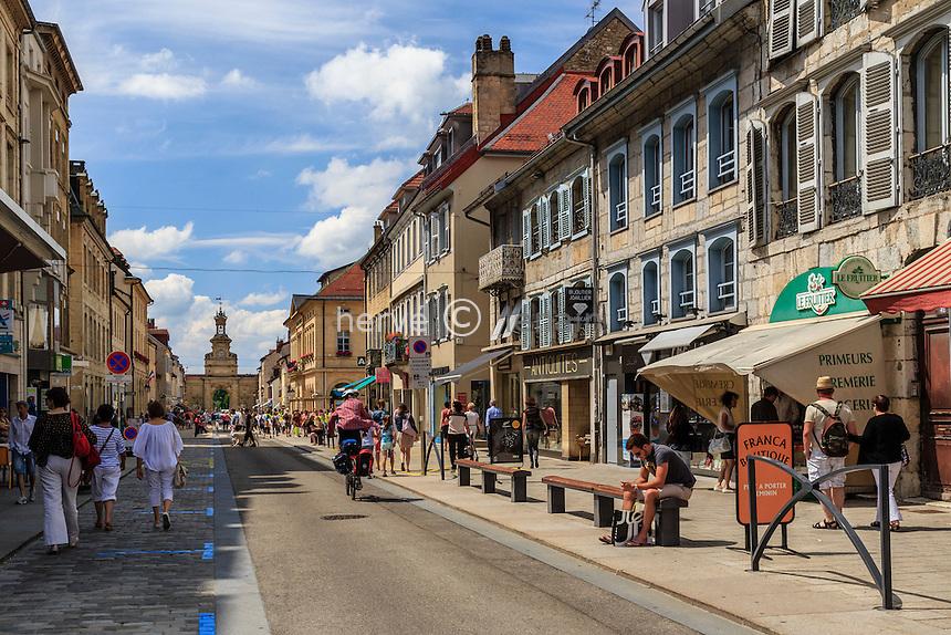 France, Franche-Comté (25), Pontarlier, rue de la République et la Porte Saint-Pierre // France, Franche Comte, Pontarlier, Saint Pierre Door and Republique street