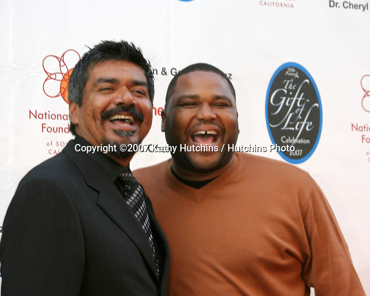George Lopez & Anthony Anderson.The Gift of Life Celebration 2007.National Kidney Foundation Benefit.Warner Brothers Studio Lot.Burbank, California USA.April 29, 2007 .©2007 Kathy Hutchins / Hutchins Photo....