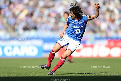 Shunsuke Nakamura (F Marinos),.APRIL 13, 2013 - Football / Soccer :.2013 J.League Division 1 match between Yokohama F Marinos 2-1 Kawasaki Frontale at Nissan Stadium in Kanagawa, Japan. (Photo by Kenzaburo Matsuoka/AFLO)