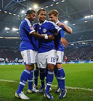 FUSSBALL   1. BUNDESLIGA   SAISON 2012/2013    29. SPIELTAG FC Schalke 04 - Bayer 04 Leverkusen                        13.04.2013 Torjubel nach dem 2:2: Michel Bastos, Raffael und Max Meyer (v.l., alle FC Schalke 04)
