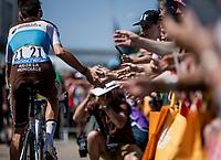 Romain Bardet (FRA/AG2R la Mondiale) cheered on pre race<br /> <br /> Stage 6: Brest > Mûr de Bretagne / Guerlédan (181km)<br /> <br /> 105th Tour de France 2018<br /> ©kramon
