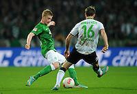 FUSSBALL   1. BUNDESLIGA    SAISON 2012/2013    8. Spieltag   SV Werder Bremen - Borussia Moenchengladbach  07.10.2012 Kevin De Bruyne (li, SV Werder Bremen) gegen Havard Nordtveit (re, Borussia Moenchengladbach)
