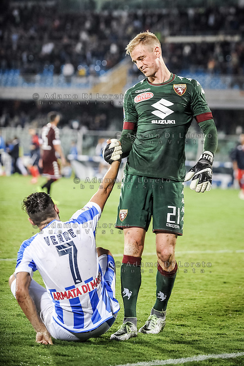 Valerio Verre (Pescara) and joe Hart (Torino) during the Italian Serie A football match Pescara vs Torino on September 21, 2016, in Pescara, Italy. Photo di Adamo Di Loreto/BuenaVista*photo