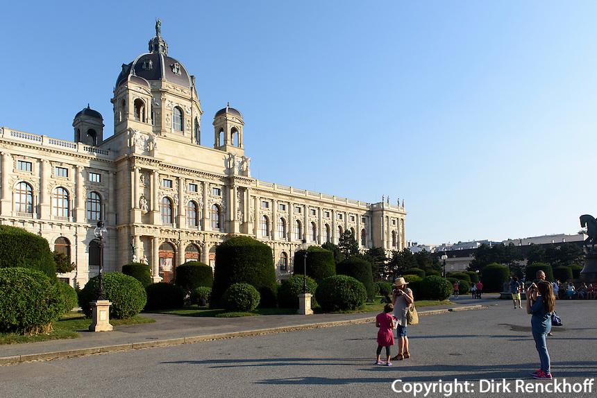Kunsthistorisches Museum am Maria-Theresien-Platz, Wien, &Ouml;sterreich, UNESCO-Weltkulturerbe<br /> Museum of Fine Arts, Vienna, Austria, world heritage