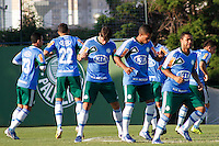 SÃO PAULO, 13 DE MAIO 2013 - TREINO PALMEIRAS - Jogadores do Palmeiras durante treino na Academia de Futebol, na tarde desta segunda-feira(13) - FOTO: LOLA OLIVEIRA/BRAZIL PHOTO PRESS