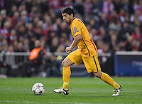 FUSSBALL CHAMPIONS LEAGUE  SAISON 2015/2016 VIERTELFINAL RUECKSPIEL Atletico Madrid - FC Barcelona       13.04.2016 Luis Suarez (Barca) am Ball