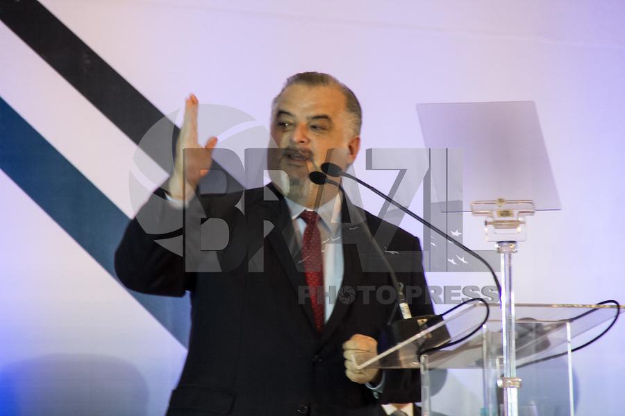 SAO PAULO, SP - 10.11.2016 - SALÃO-AUTOMÓVEL - O governador do Estado de São Paulo em exercício, Marcio França participa da <br /> cerimônia de abertura do Salão Internacional do Automóvel em São Paulo no expo Imigrantes na região sul da cidade de São <br /> Paulo  nesta quinta-feira,10. Junto com o ministro outras autoridades também marcaram presença, como  Paulo Hartung, <br /> governador do Estado do Espirito Santos e do Ministro da Indústria, Comércio Exterior e Serviços, Marcos Pereira<br /> (Foto: Fabricio Bomjardim / Brazil Photo Press)