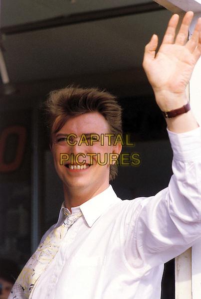 DAVID BOWIE ..Ref: 026 ..half length, half-length, waving ..www.capitalpictures.com..sales@capitalpictures.com..©Capital Pictures