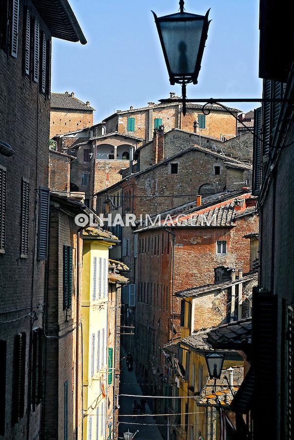 Casas em Siena. Toscana. Itália. 2006. Foto de Luciana Whitaker.