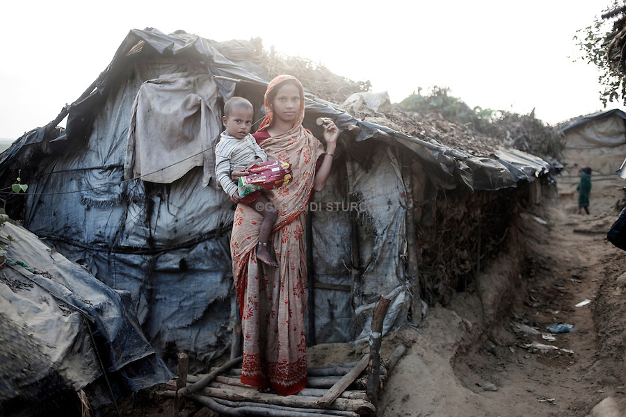 Rohingya refugees in the unofficial Kutuplanong refugee camp, Cox's Bazar, Bangladesh.<br />