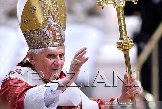 Pope Benedict XVI waves as he leaves Pentecost Mass in Saint Peter's Basilica at the Vatican May 11, 2008