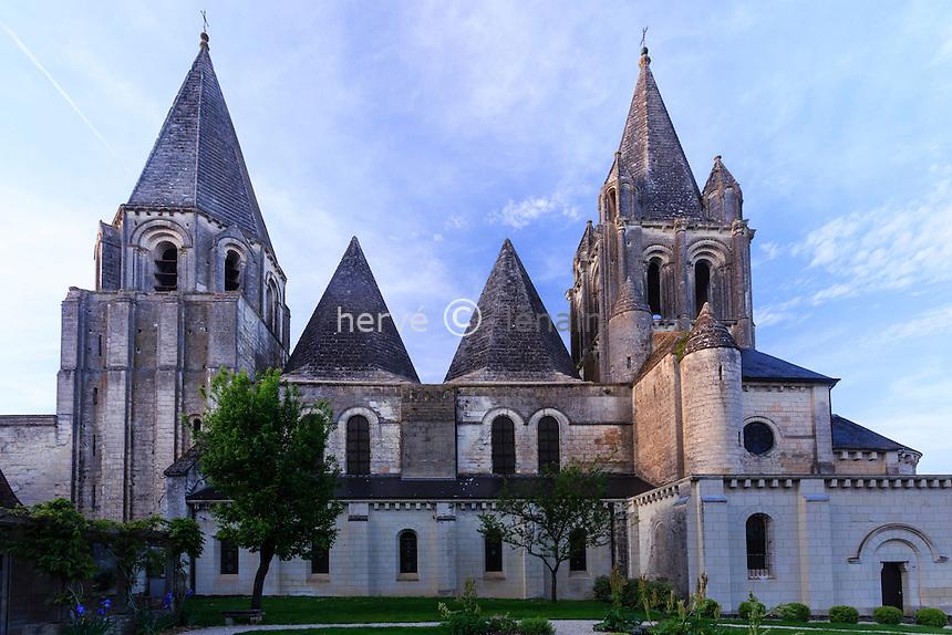 France, Indre-et-Loire (37), Loches, collégiale Saint-Ours // France, Indre et Loire, Loches,  Saint Ours collegiate church