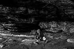 Popula&ccedil;&otilde;es Tradicionais de apanhadores de flores Sempre Vivas situadas na Serra do Espinha&ccedil;o em Diamantina, Minas Gerais.<br /> Popula&ccedil;&otilde;es atingidas pela implanta&ccedil;&atilde;o do Parque Nacional das Sempre Vivas, Parques Estaduais e Unidades de Conserva&ccedil;&atilde;o.<br /> Comunidade Galheiros, composta por apanhadores de flores sempre vivas que realizam a comercializa&ccedil;&atilde;o de produtos artesanais feitos com flores nativas. A atividade &eacute; a principal fonte de renda da comunidade. Seu Ant&ocirc;nio Borges, apanhador de flor e morador de Galheiros, na Lapa do P&aacute;ssaro Preto.
