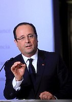Il Presidente francese Francois Hollande tiene una conferenza stampa congiunta col Presidente del Consiglio italiano al termine del vertice intergovernativo italo-francese a Villa Madama, Roma, 20 novembre 2013.<br /> French President Francois Hollande attends a joint press conference with the Italian Premier at the end of the intergovernmental summit between Italy and France at Villa Madama, Rome, 20 November 2013.<br /> UPDATE IMAGES PRESS/Isabella Bonotto