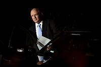 BRASÍLIA, DF, 20.06.2017 – AÉCIO-DF – José Eduardo Alckmin advogado de defesa do senador afastado Aécio Neves, em frente a casa do senador no Lago Sul em Brasília, após julgamento no Supremo Tribunal Federal nesta terça-feira, 20. (Foto: Ricardo Botelho/Brazil Photo Press)