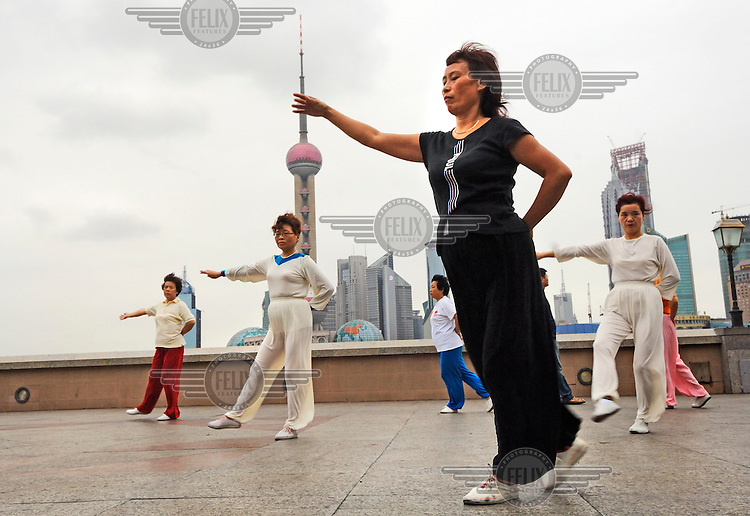 Morning exercises on the Bund.